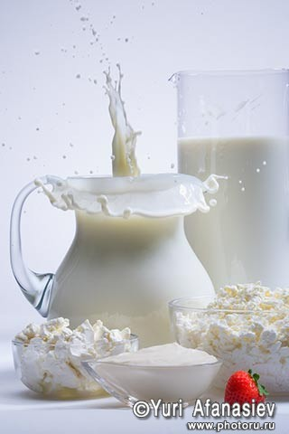 Профессиональная рекламная фотосъемка еды и напитков. Молочные продукты. Рекламная фотография. Рекламный фотограф Юрий Афанасьев.