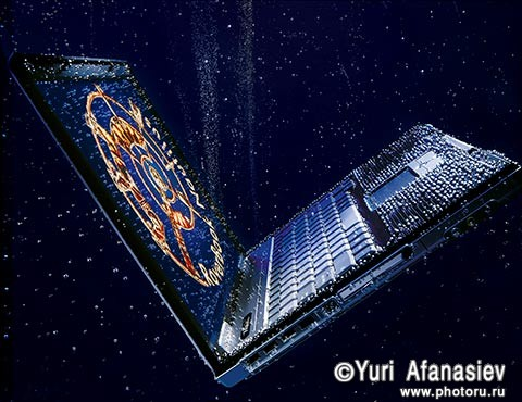 Рекламная фотосъемка ноутбук Наутилус под водой. Реклама. Рекламный Фотограф Юрий Афанасьев